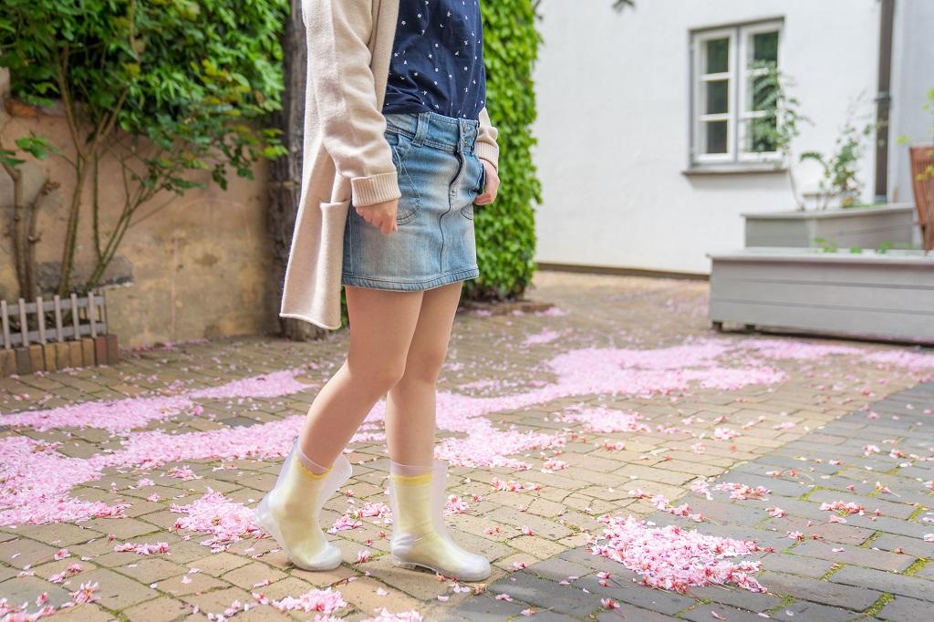 Durchsichtige Gummistiefel Outfit Socken 2