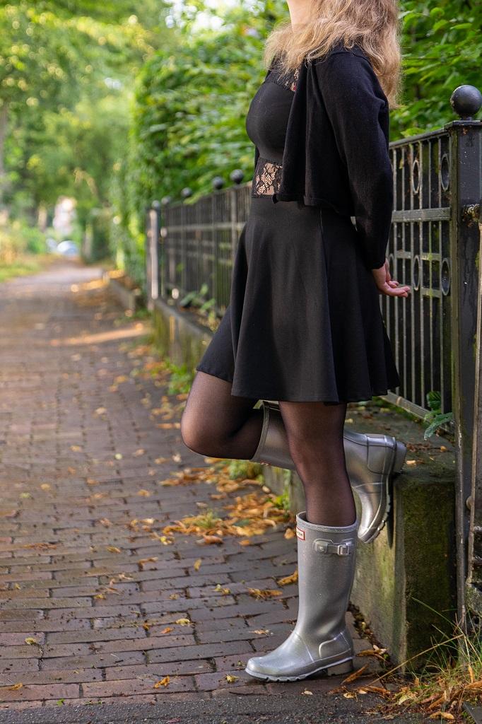 Hunter Gummistiefel Outfit kombinieren Glamour Kleid