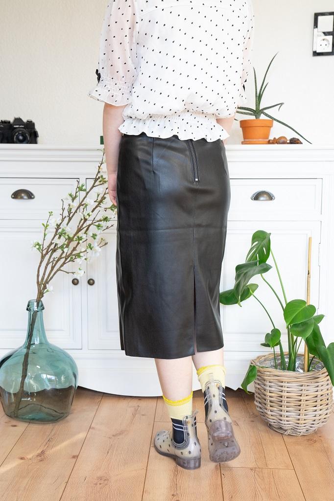 Petite Mode langer Lederrock Rückansicht