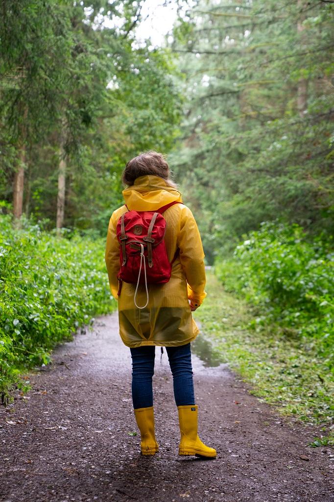 Aigle French Lolly Wald Wandern Regenjacke Outfit