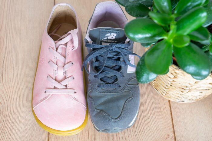 Barfussschuhe vs normale Schuhe Vergleich Zehen