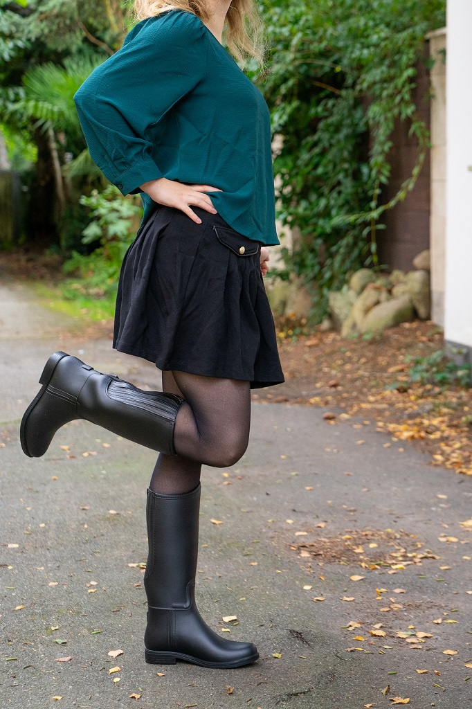Gummireitstiefel Herbst Outfit Rock Bluse