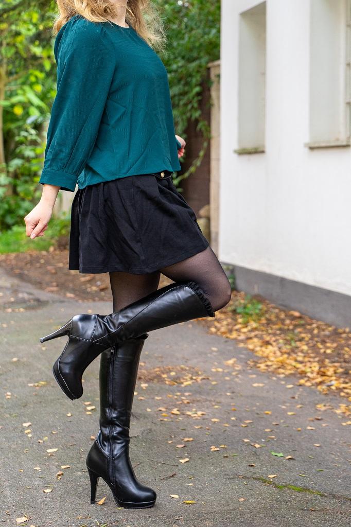 Kniehohe Absatzstiefel für kleine Frauen in Untergröße